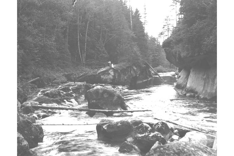 Green River looking from below Franklin Bridge 1915