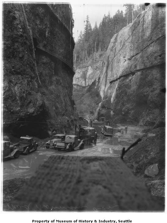 Mud mountain dam construction 1941 cars