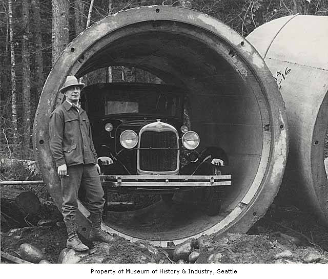 Landsburg concrete pipe 1930 with car