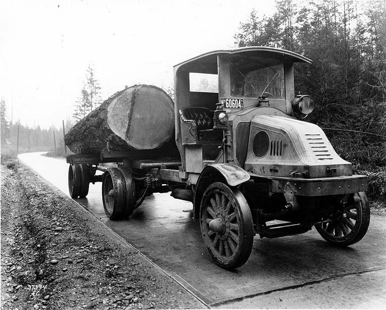Log truck 1918