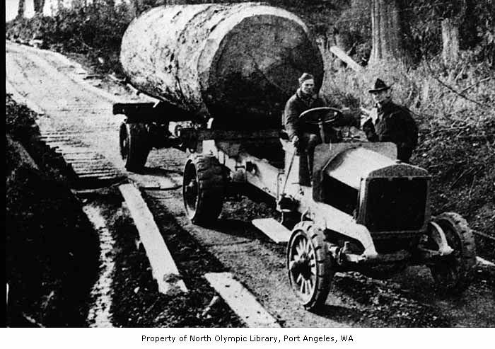 Diamond t log truck 1924