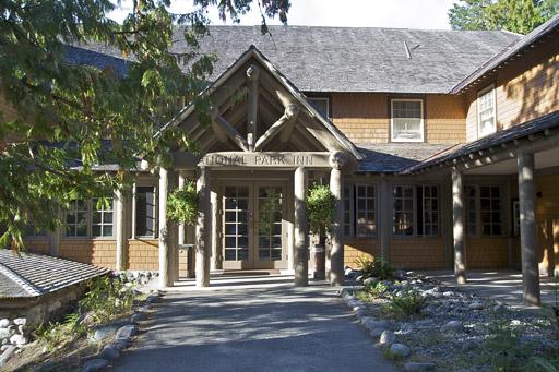 Longmire national park inn