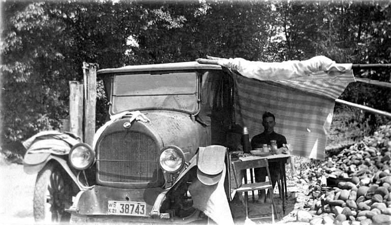 Car camping 1921