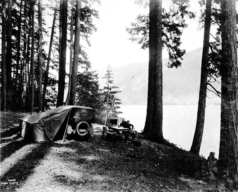 Car camping Crescent Lake