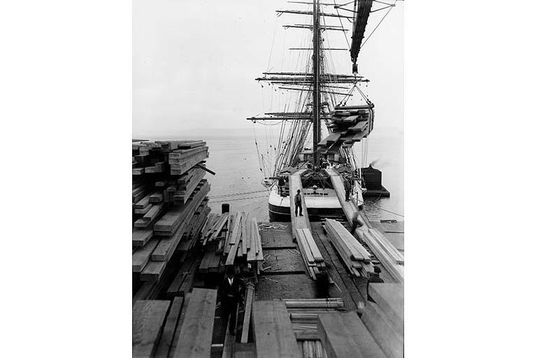 Tacoma lumber loading 1916